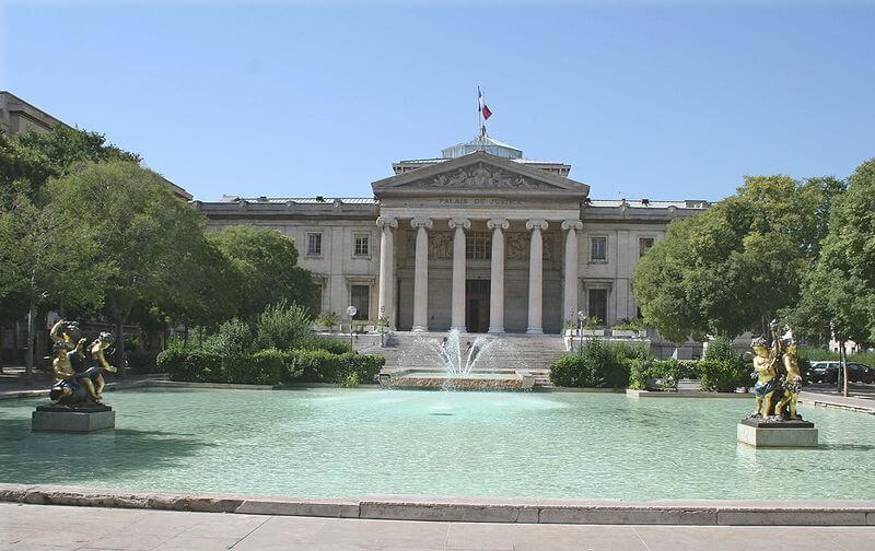 Jardin fontaine palais de justice