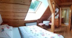 pokój nr 4 z oknem dachowym