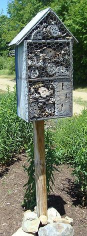 bee house, pollinators