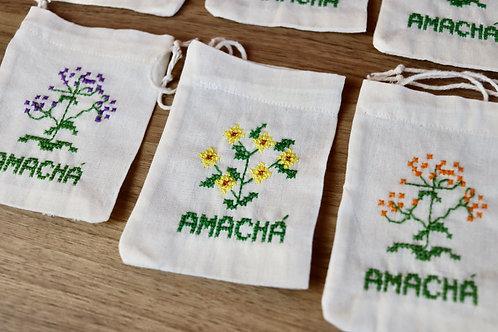 Saquinho infusor reutilizável de pano e bordado com flor