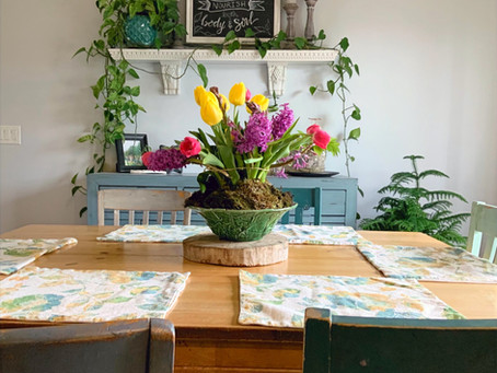 The Artistic Home: An Easter Centerpiece