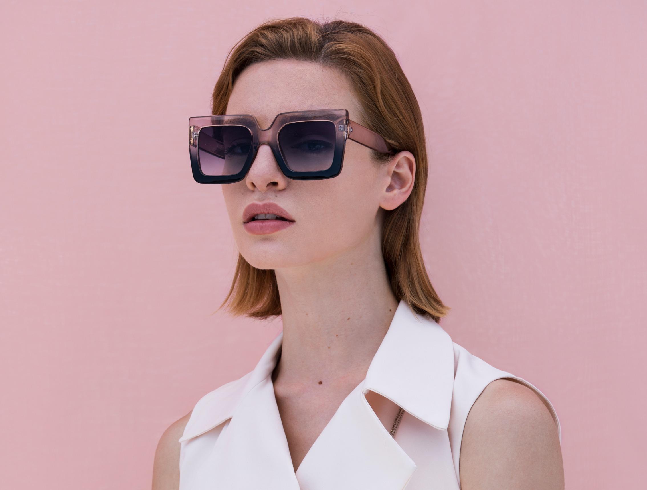 vny_glasses_summer2020_dreamb_black_γυαλιαηλιου