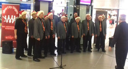Entertaining The Christmas shoppers