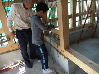 土壁下地の小舞竹編み体験