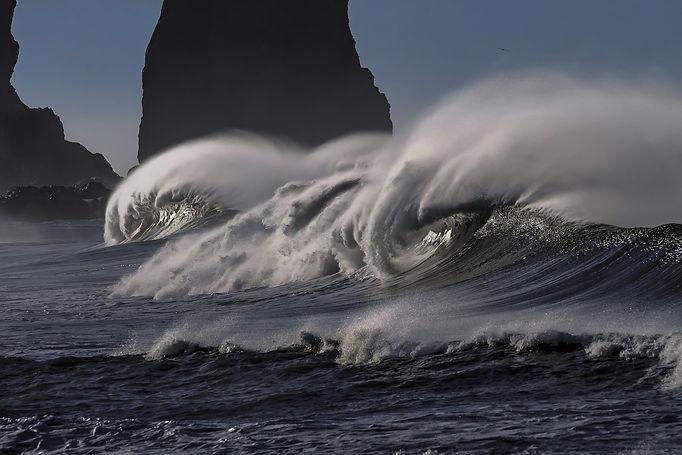 wave-2089959_1920.jpg