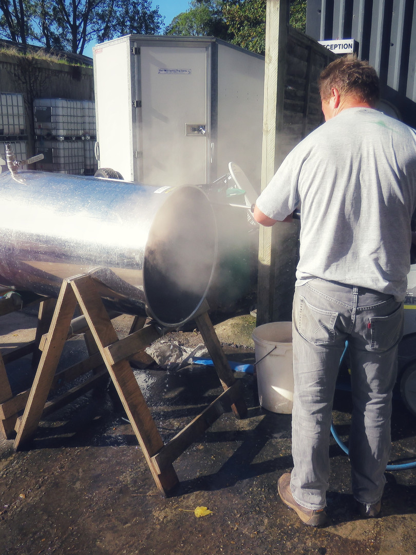 Stainless tank sterilisation