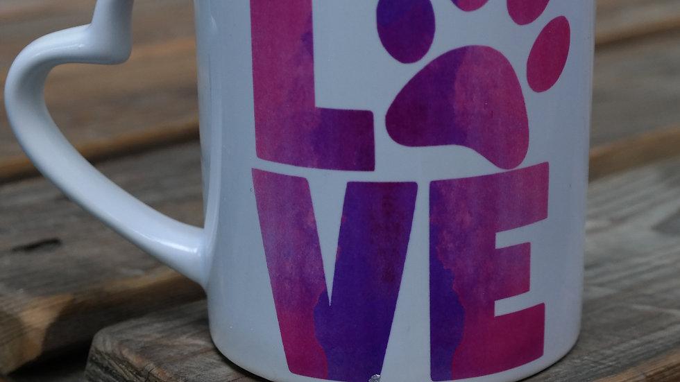 Tasse mit Love und Herzhenkel