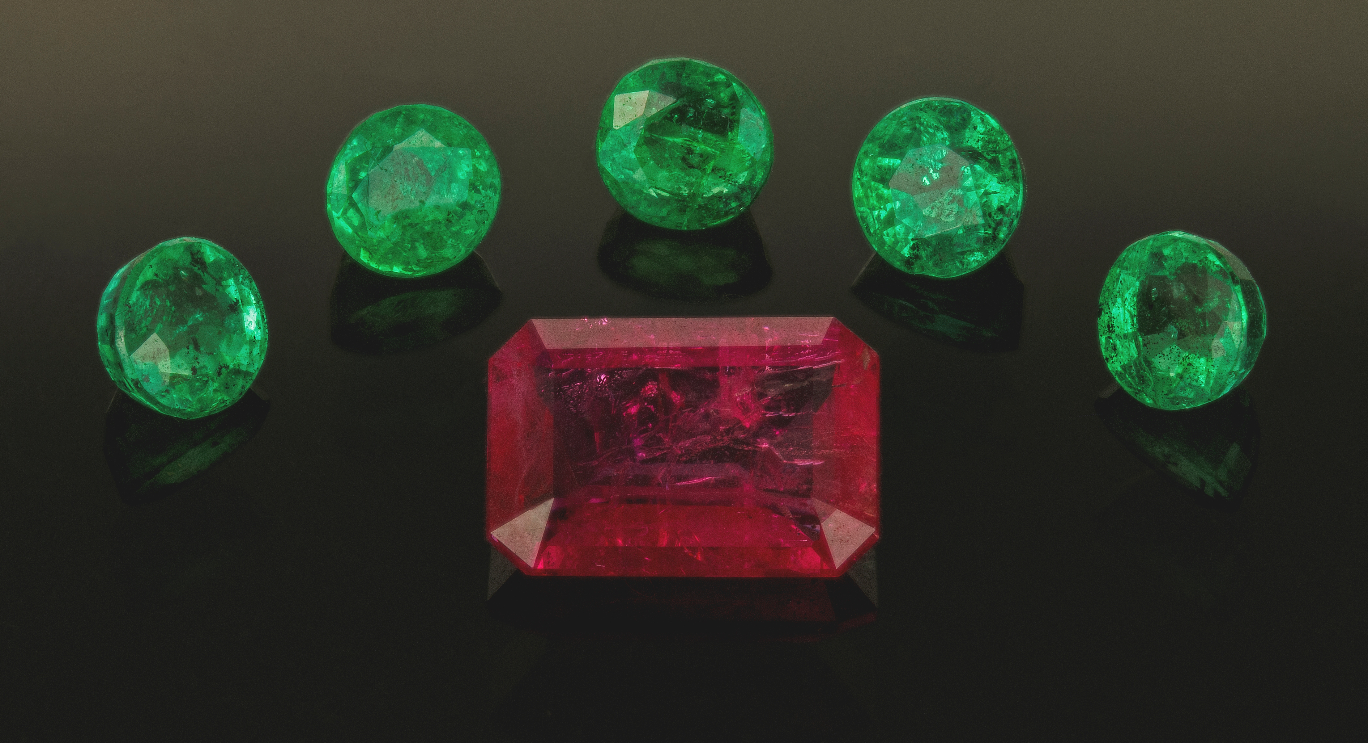 What Is A Red Emerald The Red Emerald Gem Quality Red