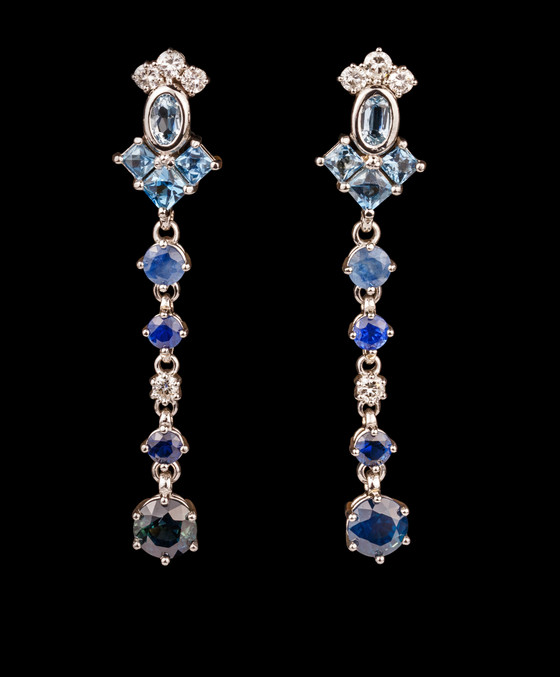 PLATINUM UNHEATED AUSTRALIAN SAPPHIRE EARRINGS
