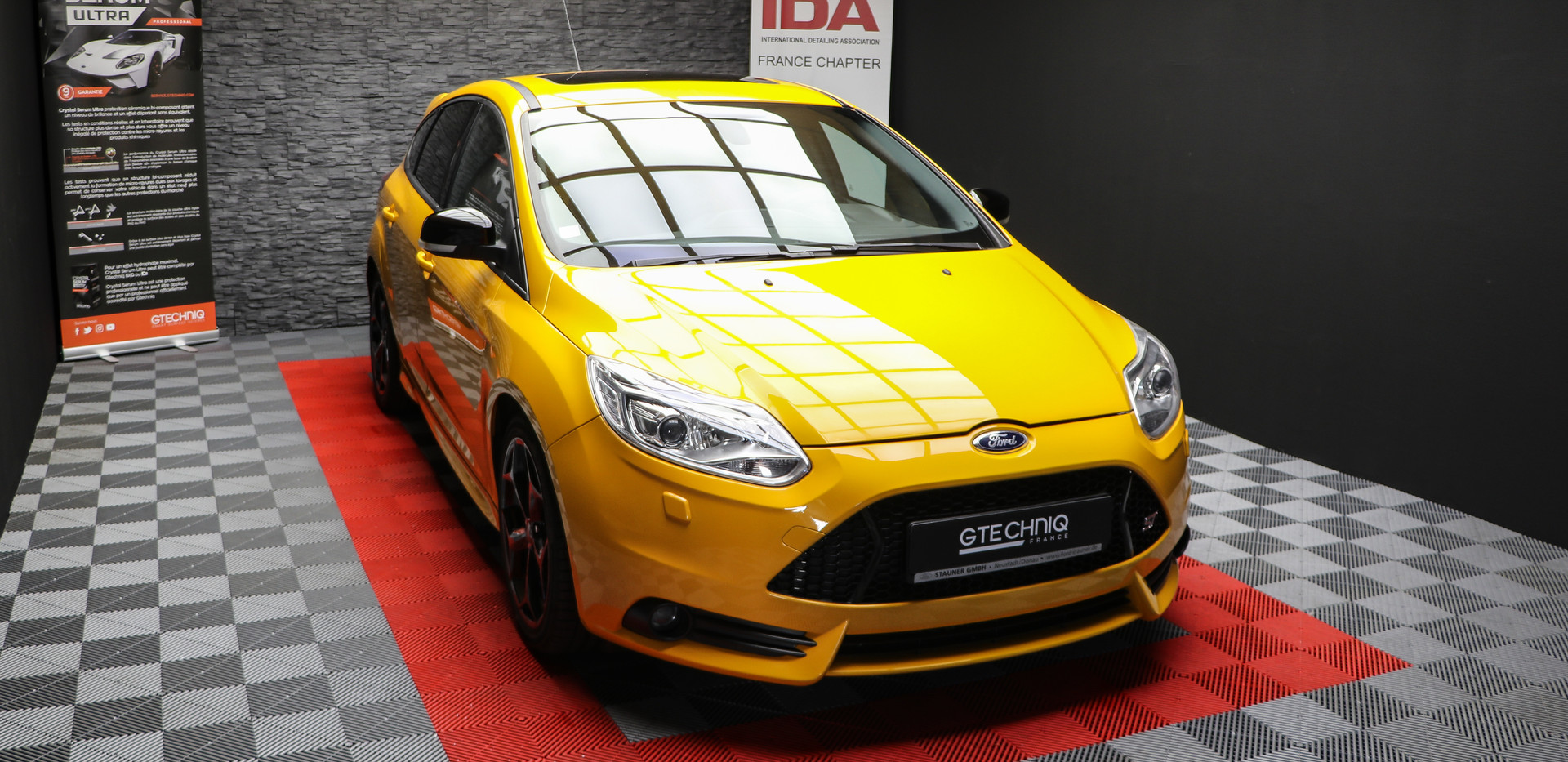FORD FOCUS ST 220