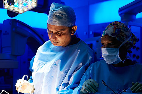 Professor_Dasgupta_in_surgery_600.jpg
