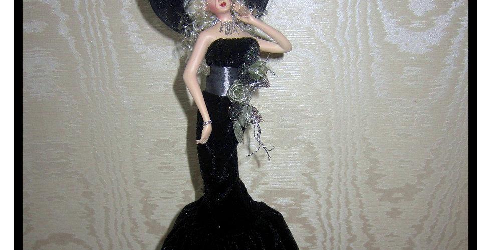"""Настольная статуэтка  """"Анжела"""""""