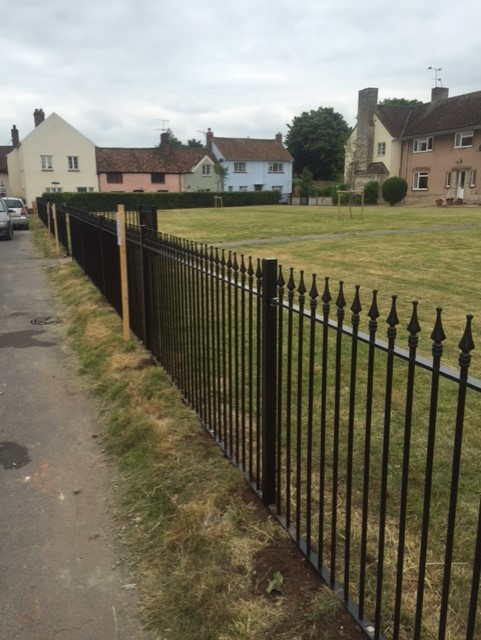 G Roles Fencing | Commercial Fence