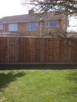 G Roles Fencing | Close Board Fence