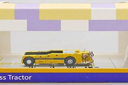 JC WINGS AIRPORT ACCESSORIES LUFTHANSA LEOS PUSH BACK TOW  SCALE 1/2