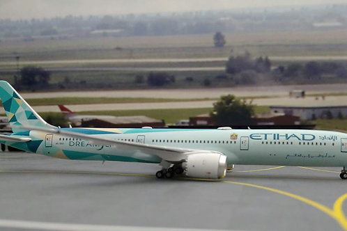 """JC WINGS ETIHAD BOEING B787-10  A6-BMH """"GREENLINER"""" 1/400"""
