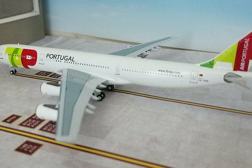 PANDA MODELS TAP AIR PORTUGAL AIRBUS A340-300 CS-TOD 1/400