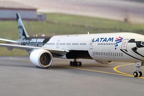 LATAM BOEING 777-300ER PT-MUA STAR WARS GALAXY'S EDGE LIVERY 1/400