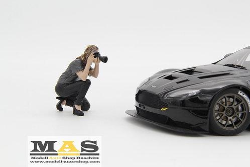 Weekend Car Show Figure 3 - Fotograf Frau American Diorama 1/18