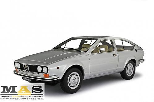 Alfa Romeo Alfetta GT 1.6 1976 grau met Laudoracing 1/18