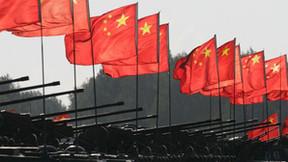 China envía tanques a las fronteras de la India en un enfrentamiento mortal