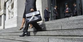 La Bolsa de Milán prohíbe las operaciones bajistas durante tres meses
