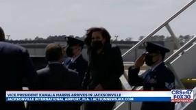 Kamala Harris no saluda a los militares, a diferencia de los ex vicepresidentes Pence y Biden