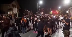 'Black Lives Matter'-Mob exige que los blancos renuncien a sus hogares