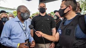 El alcalde de Houston ordena multas de $ 250 para las personas que se niegan a usar máscaras