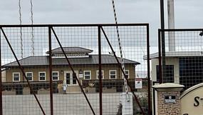 Biden criticado por condiciones inhumanas en los centros de detención de niños migrantes