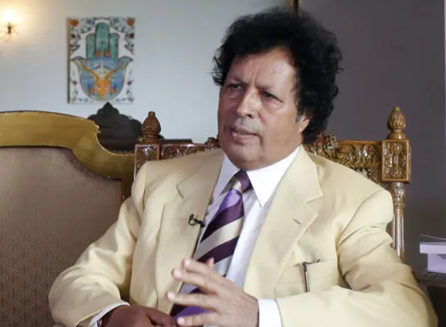 "El primo de Muammar Gaddafi de demandar a Hillary Clinton por ""destruir Libia"""