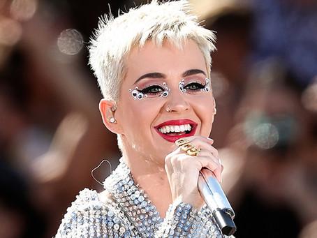 Katy Perry turnesine hız kesmeden devam ediyor