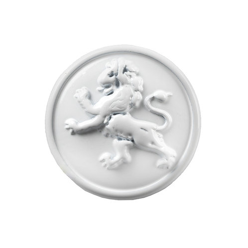 round white magnetic scarf pin molded with an image of a lion