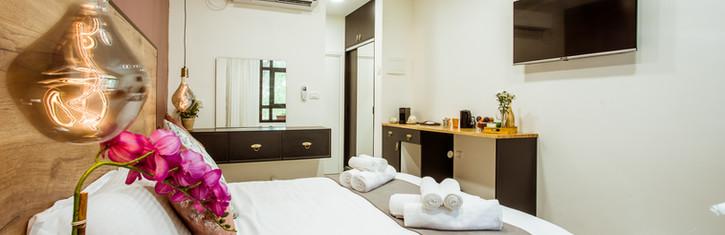 Deluxe Hotel room