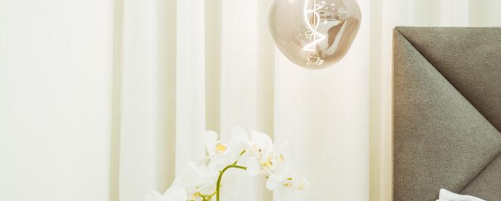 Hotel bedroom lamp
