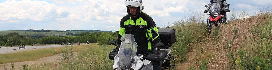 CESTA Z MĚSTA Morava - kurz pro silniční enduristy