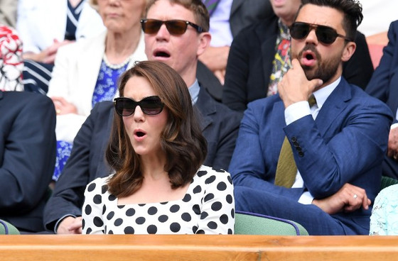 穿波點裙的Kate Middleton