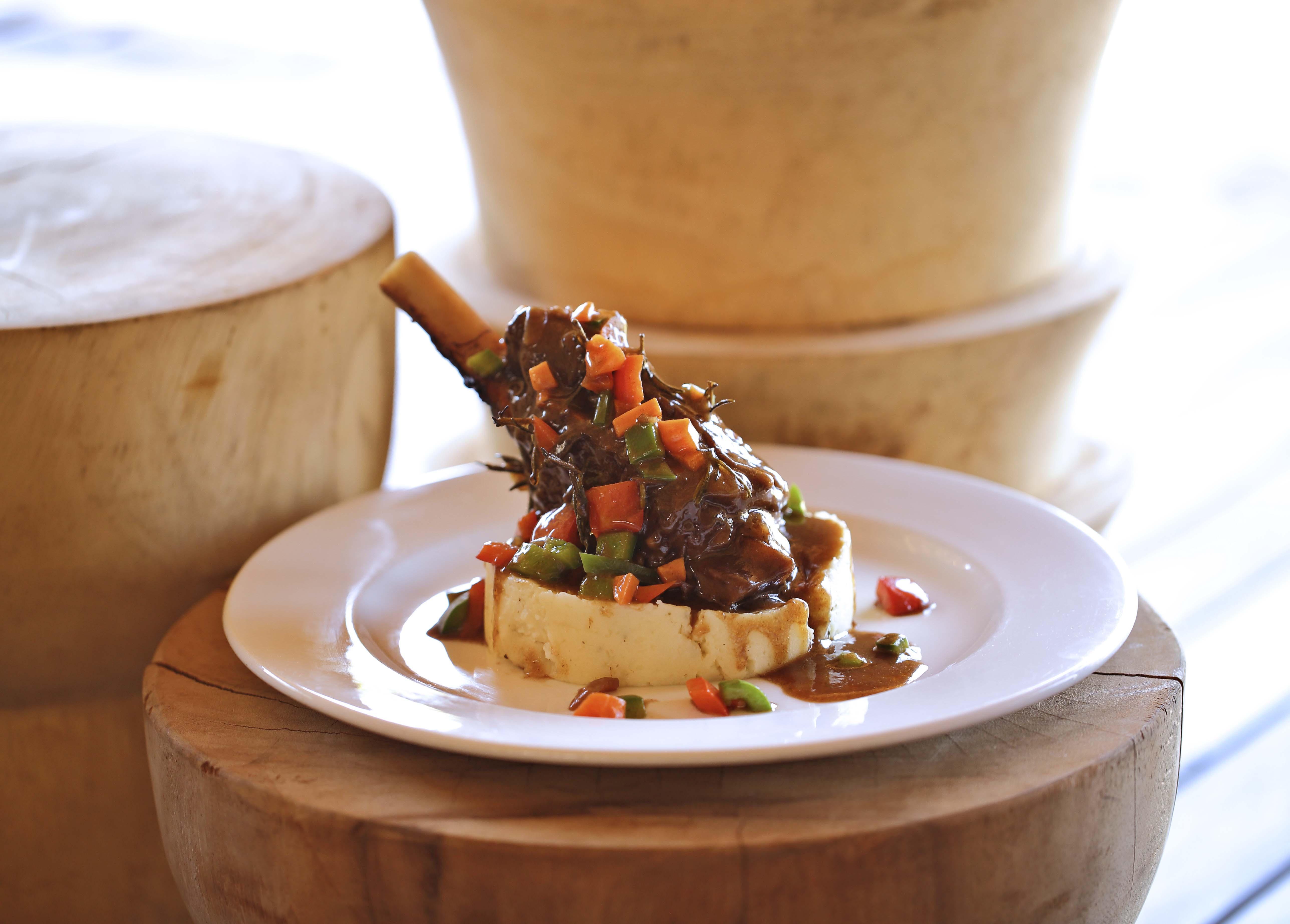 five-star dining @ your safari lodge