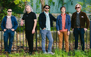 REIGNING SOUND Y THE WHITE BUFFALO SE SUMAN AL AZKENA ROCK FESTIVAL 2015