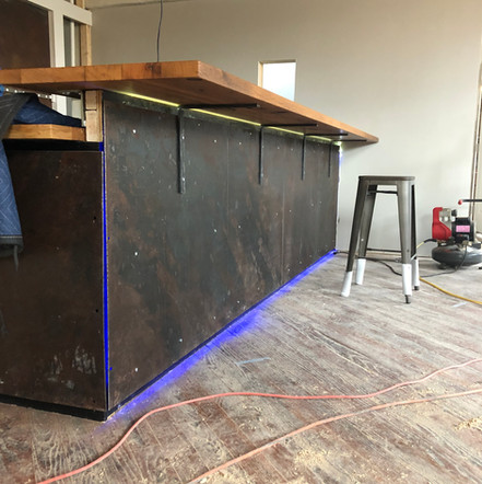 Reclaimed Oak/Steel Bar