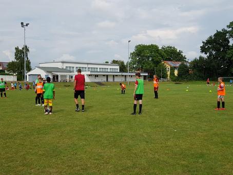 Trainingslager der D-Jugend JSG Espenau/Holzhausen auf der Sportanlage in Hohenkirchen