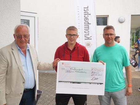Spende vom Fussballförderverein Espenau 2000 e.V. über 500€