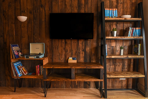 AINSWORTH TV Stand