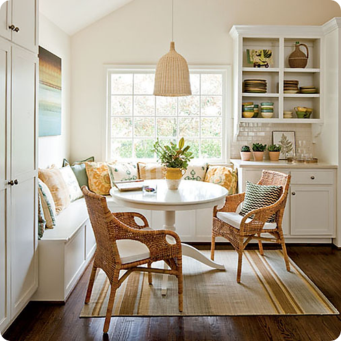Clean Dining Room/Nook