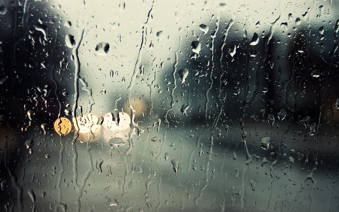尋晚香港狂風暴雨…