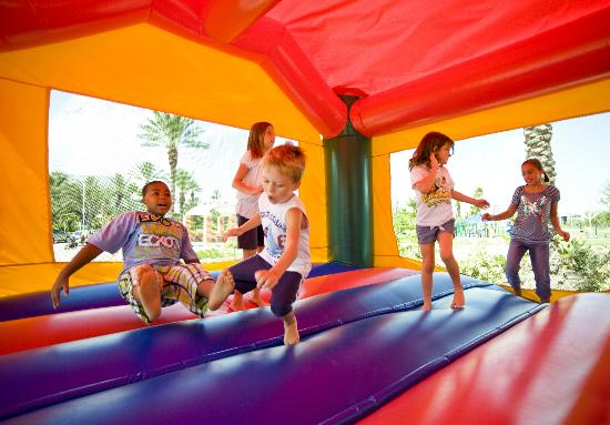 rent-a-bounce-house-milwaukee-wi