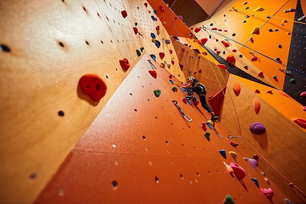 The Ordinary Climbers 171.jpg
