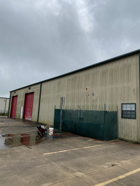 Commerical Power Washing Before (5-2020)