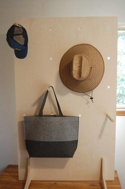 Bag/Large Item Display