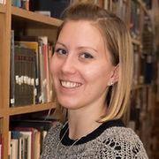 Taylor Uekert chosing book - study centr